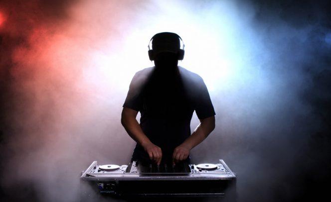 Winter Wonderland DJ at SbN
